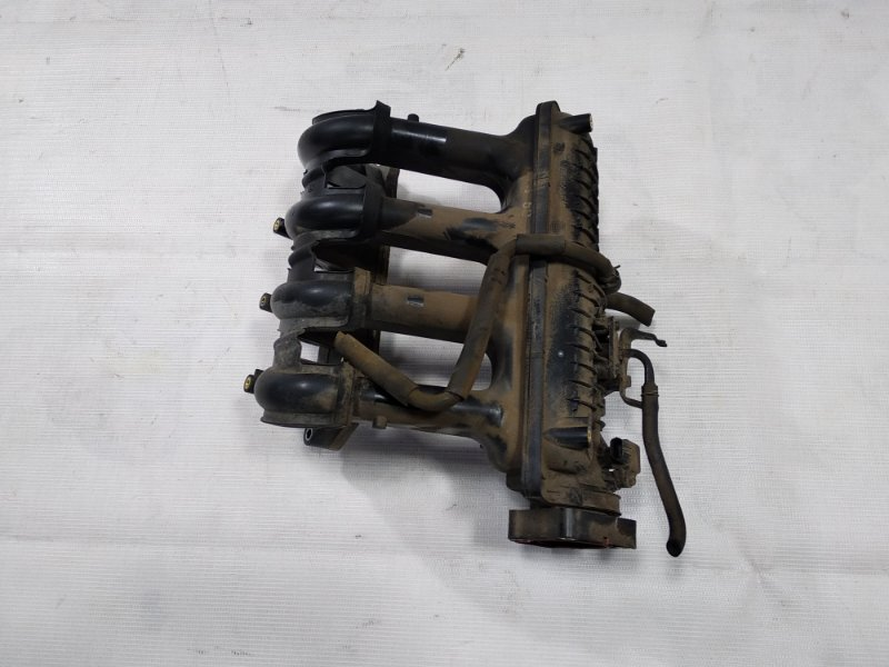 Коллектор впускной Honda Fit GD1 L15A 2004 передний