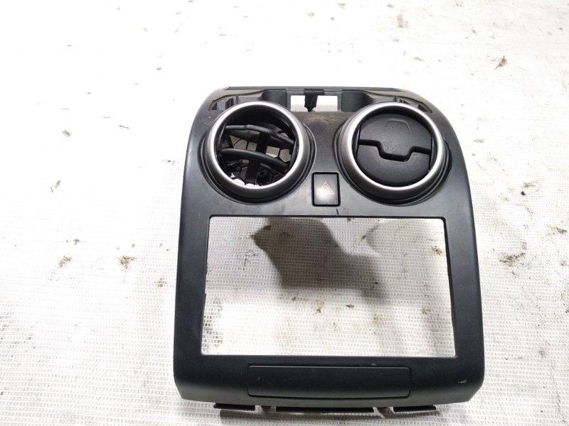 Консоль магнитофона Nissan Dualis J10 MR20DE 07.2007