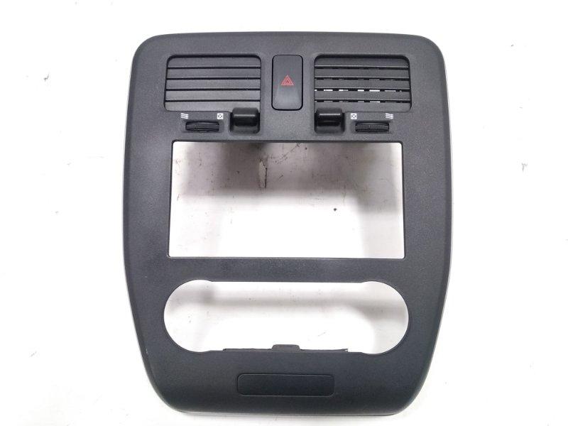 Консоль магнитофона Nissan Leaf AZE0 EM57 2013 передний