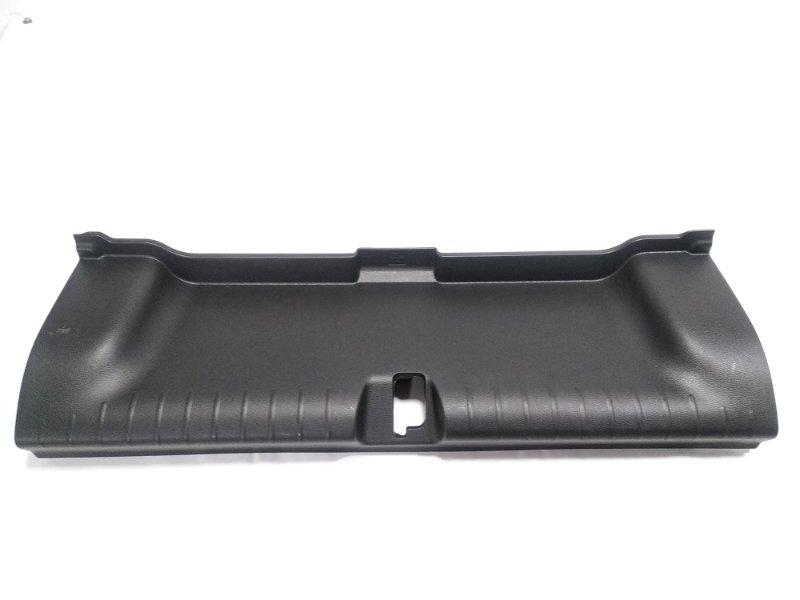 Пластик замка багажника Honda Grace GM4 LEB 2014 задний