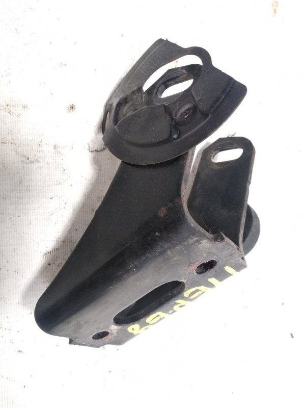 Кронштейн опоры двигателя Toyota Rav4 ACA20 1AZFSE 2001 передний