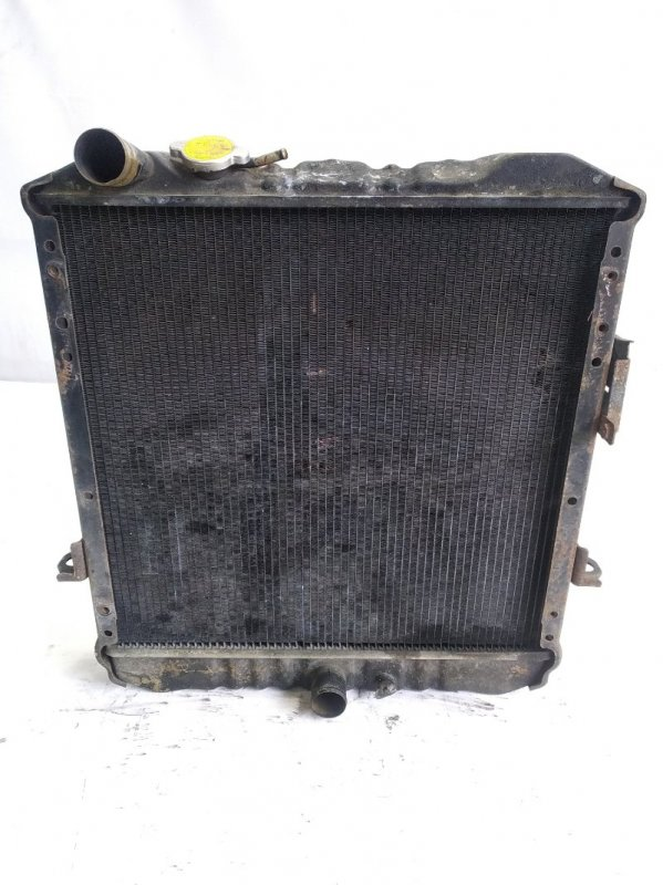 Радиатор основной Isuzu Elf NKR58 4HF1 1997 передний