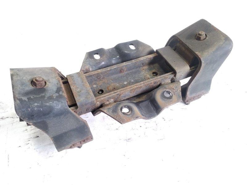Подушка коробки передач Isuzu Elf NKR58 4HF1 1997 задняя