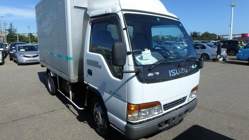 Кабина Isuzu Elf NHR69E 4HF1 1997 передняя