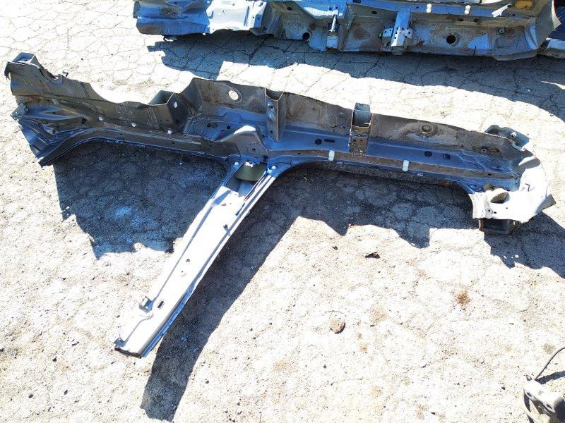 Порог кузова Toyota Isis ANM10G 1ZZFE правый