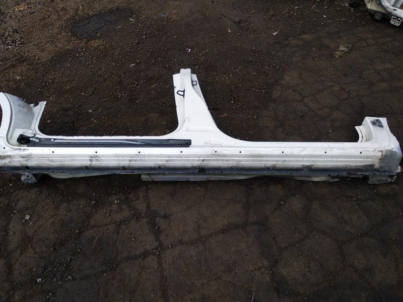 Порог кузова Toyota Isis ZNM10W 1ZZFE 2009 правый