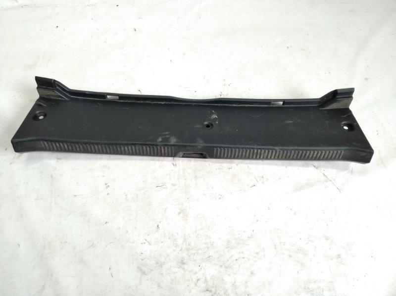 Пластик замка багажника Toyota Sai AZK10 2AZFXE 2009 задний