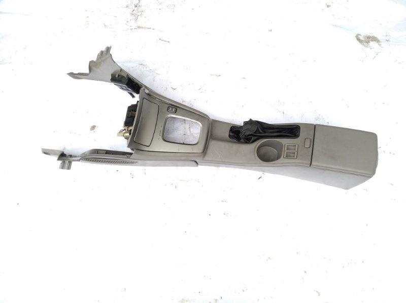 Бардачок между сиденьями Subaru Forester SG5 EJ20 передний