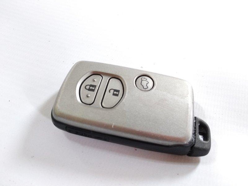 Ключ зажигания Toyota Land Cruiser GRJ200 1GRFE 2013