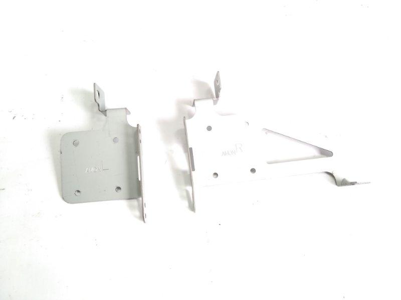 Крепление магнитофона Honda Fit GP5 LEB 2014 переднее