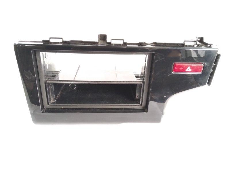 Консоль магнитофона Honda Fit GP5 LEB 2014 передний