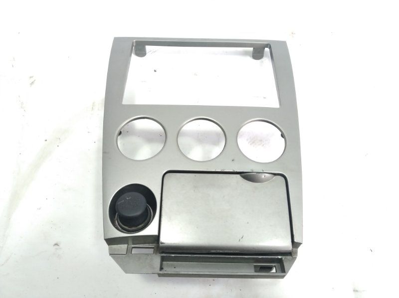 Консоль магнитофона Nissan Wingroad VFY11 QG18DE 2005 передний