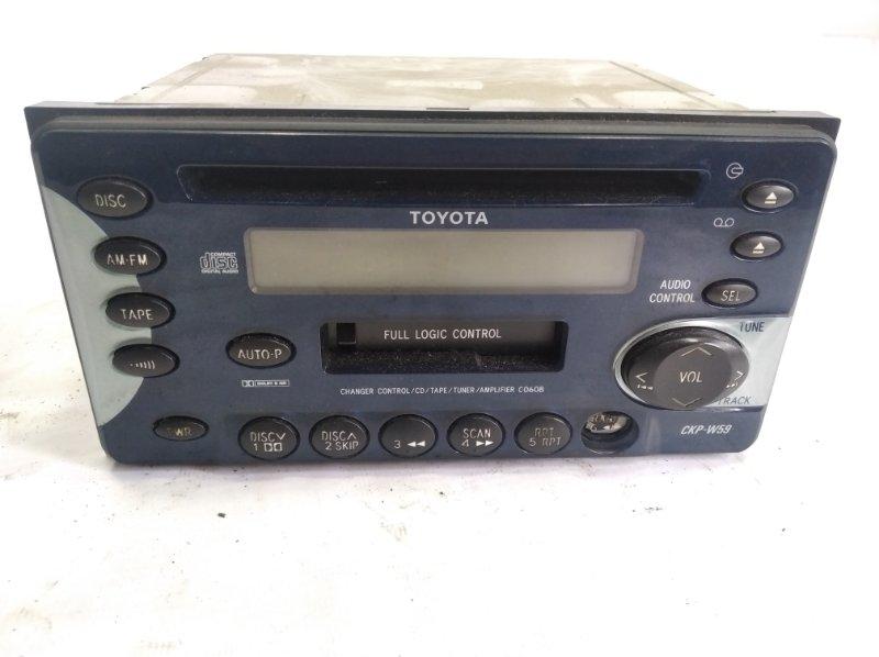Магнитофон Toyota Corolla Fielder NZE121 2ZZGE 2001 передний