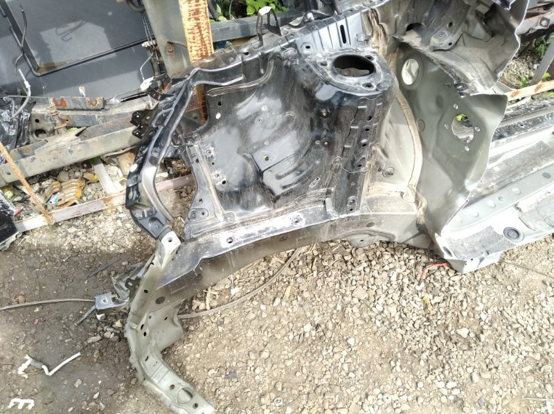 Лонжерон Toyota Harrier AVU65W 2ARFXE 2014 передний правый
