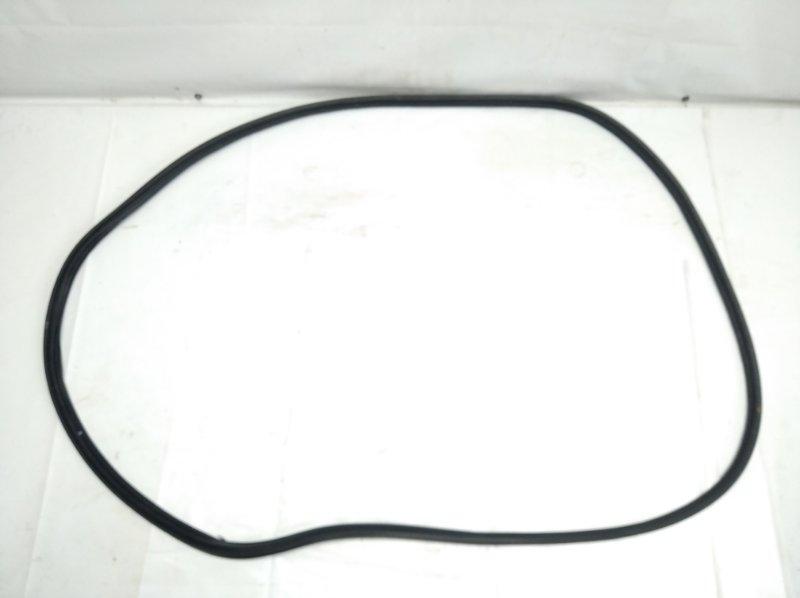 Уплотнительная резинка багажника Honda Freed Spike GP3 LEA 2012 задняя