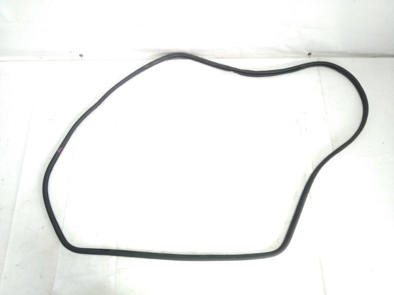 Уплотнение дверное Honda Freed Spike GP3 LEA 2012 заднее левое