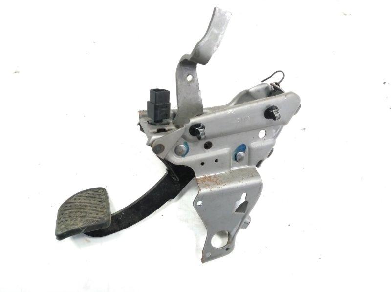 Педаль тормоза Nissan Serena CC25 MR20DE 2010 передняя