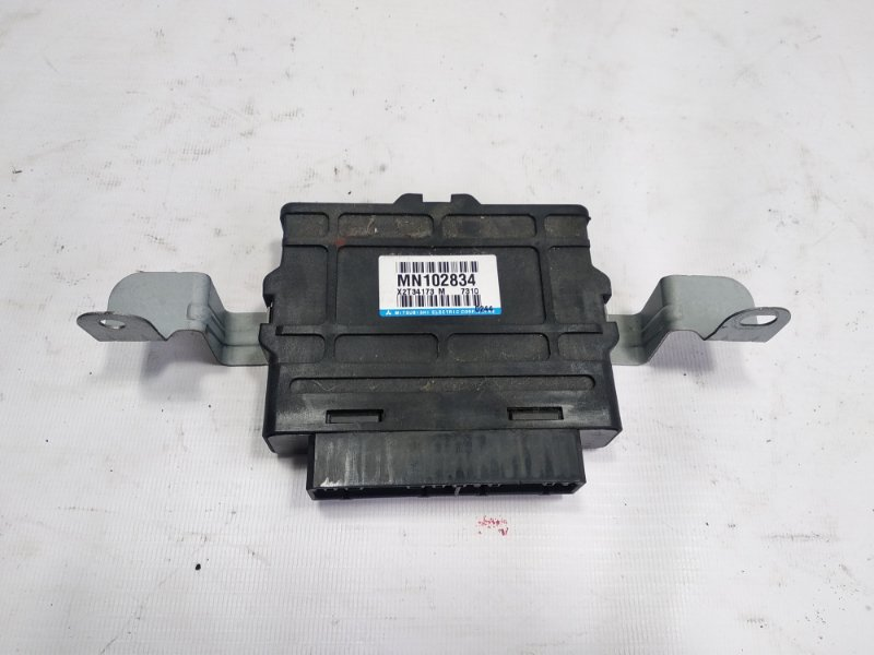 Блок управления abs Mitsubishi Pajero V93W 6G72 2007