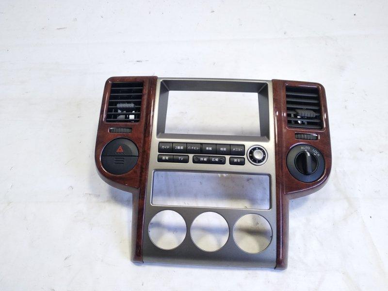 Консоль магнитофона Nissan Xtrail T30 SR20VET 2004