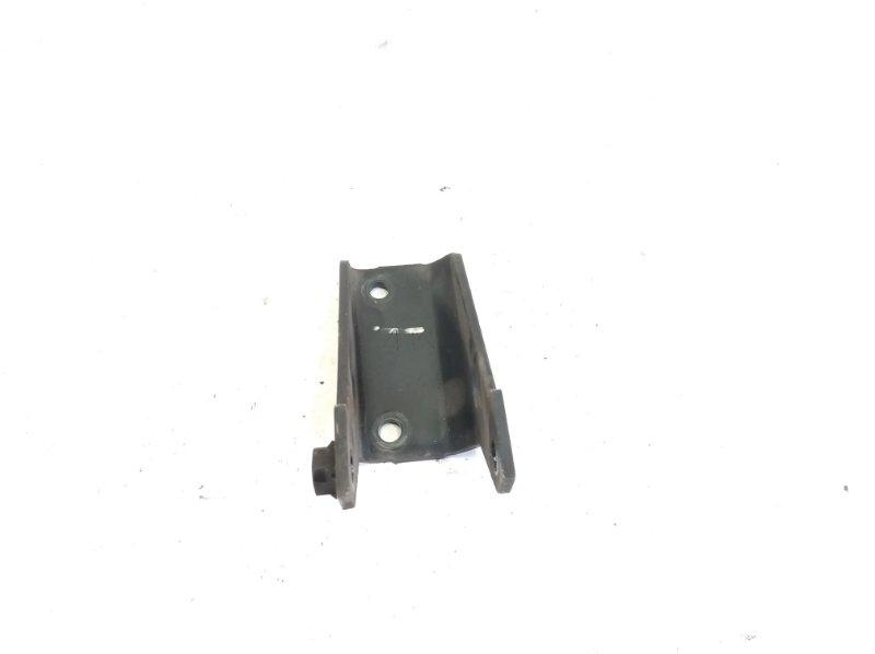 Кронштейн опоры двигателя Nissan Liberty RM12 QR20DE 2001 передний