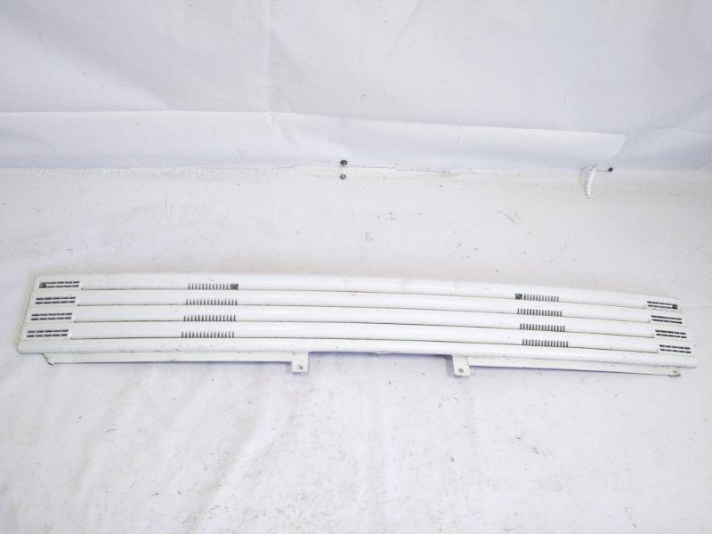 Решетка радиатора Mazda Titan WGFAT HA 1990 передняя
