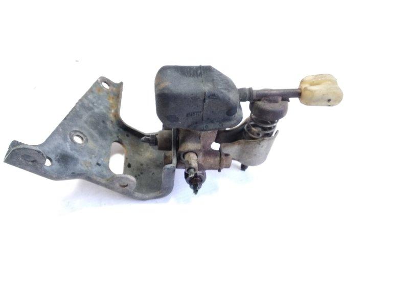 Тройник тормозной Toyota Hiace KZH106 1KZTE 1995 задний