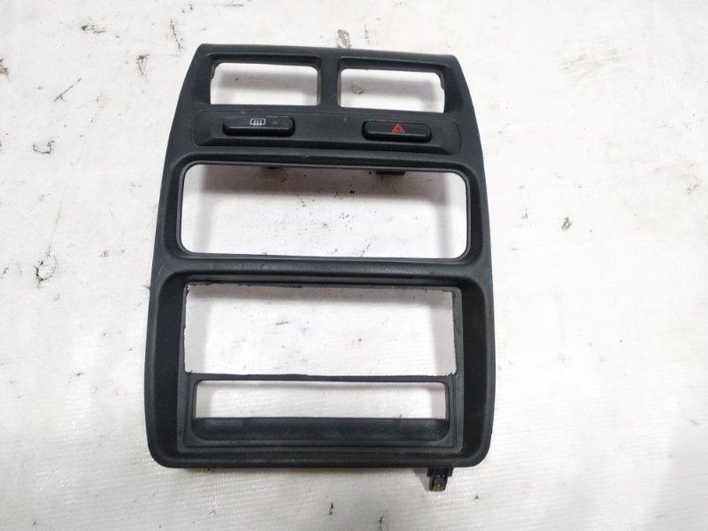 Консоль магнитофона Mitsubishi Pajero Junior H57A 4A31 1997 передний