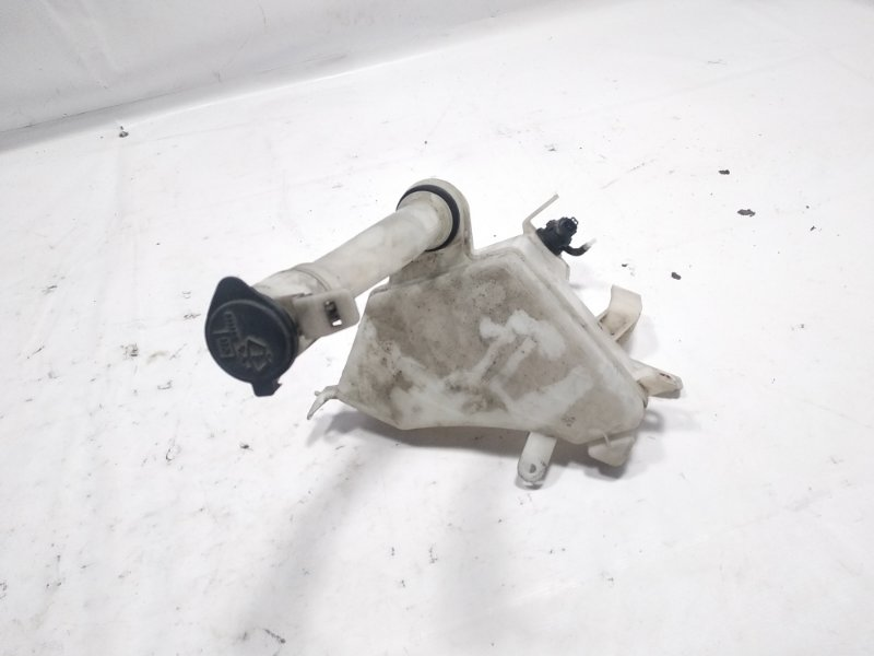 Бачок стеклоомывателя Toyota Hilux Surf RZN215W 3RZFE 2003 передний