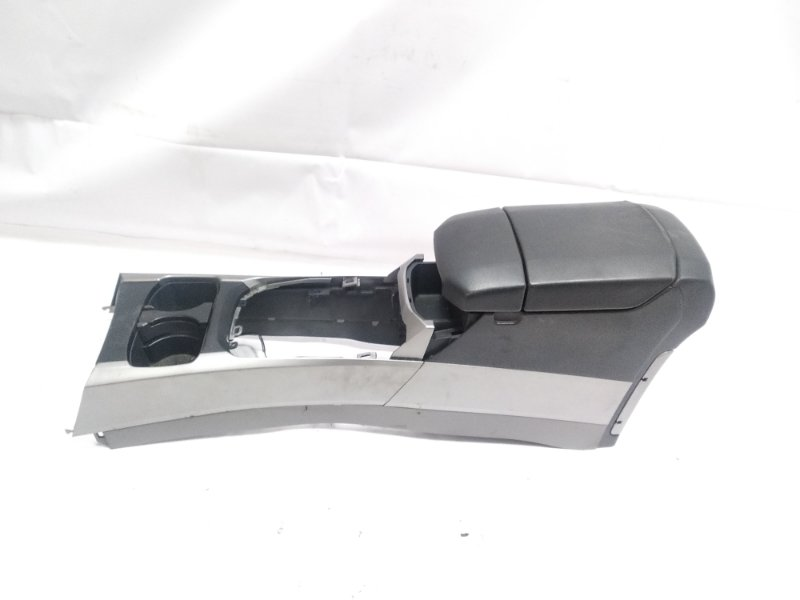 Бардачок между сиденьями Toyota Hilux Surf RZN215W 3RZFE 2003