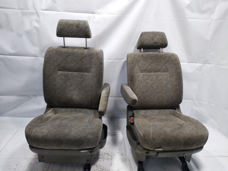 Сидение Nissan Elgrand AVWE50 QD32ETI 1997 переднее правое