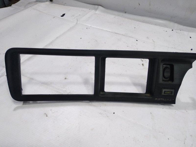 Консоль магнитофона Toyota Town Ace CR31 3CT 1993 передний