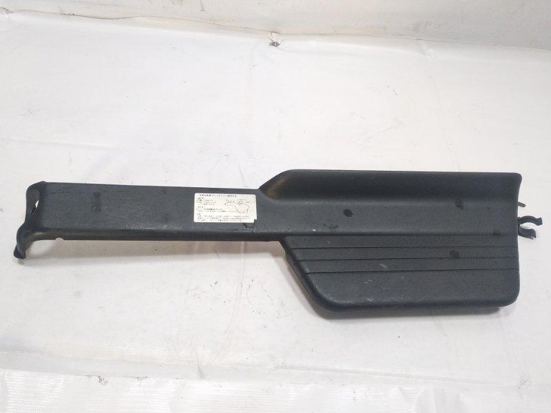 Пластик торпеды Isuzu Elf NKR58 4HF1