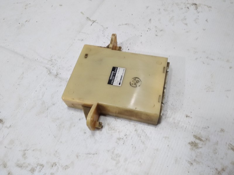 Блок управления климат-контролем Toyota Corolla AE100 5AFE 1993