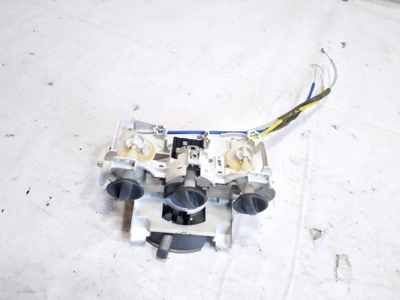 Блок управления климат-контролем Honda Fit GD1 L15A 2005