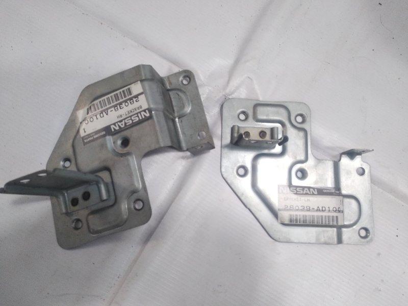 Крепление магнитофона Nissan Presage HU30 KA24DE 1998