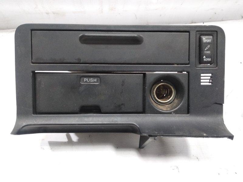 Пепельница Toyota Hiace KZH106G 1KZTE 1995 передняя