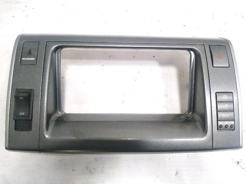 Консоль магнитофона Toyota Estima AHR20W 2AZFXE 2009 передний