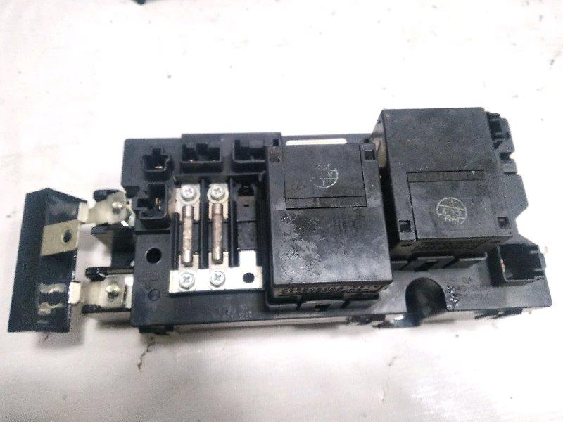 Реле высоковольтной батари Toyota Estima AHR20W 2AZFXE 2009