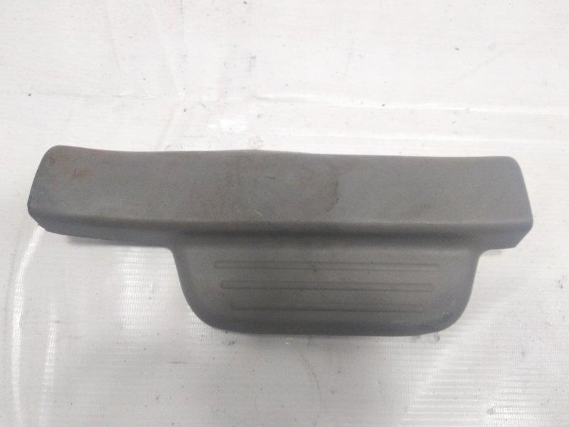 Накладка на порог салона Toyota Platz NCP12 1SZFE 2003 задняя правая