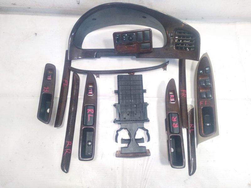 Подстаканник Nissan Presage HU30 KA24DE 1998 передний
