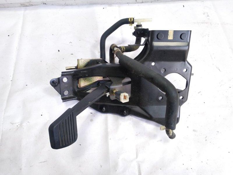 Педаль тормоза Isuzu Elf NHR69E 4HF1 1997