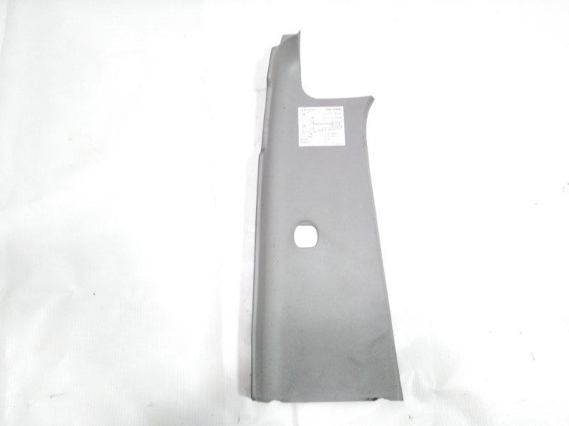 Обшивка салона Isuzu Elf NHR69E 4HF1 1997 левая