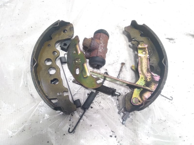 Механизм стояночного тормоза Suzuki Escudo TA52W J20A 2002 задний правый