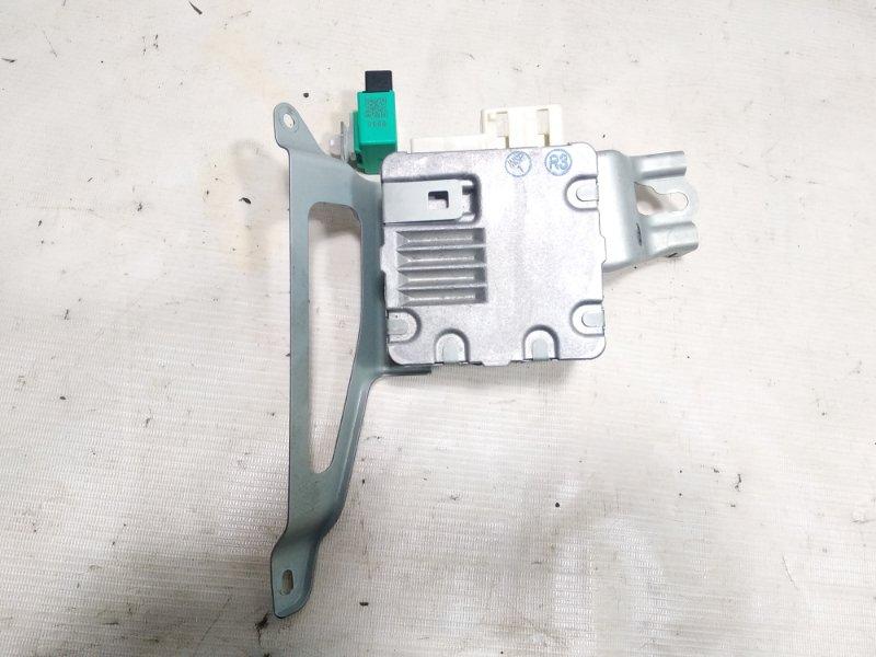 Блок управления рулевой рейкой Toyota Corolla Fielder NZE141 2ZRFAE 2010 передний