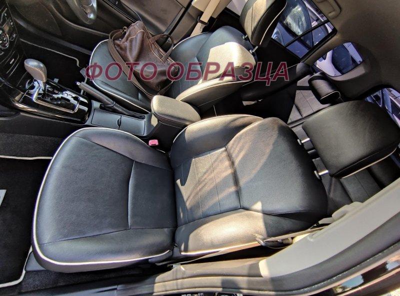 Бардачок между сиденьями Toyota Corolla Fielder NZE141 2ZRFAE 2010 передний