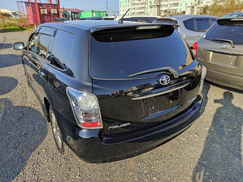 Стоп-сигнал Toyota Corolla Fielder NZE141 2ZRFAE 2010 задний левый