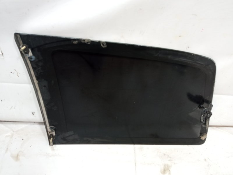 Стекло собачника Mazda Mpv LVLR G5E 1996 заднее правое
