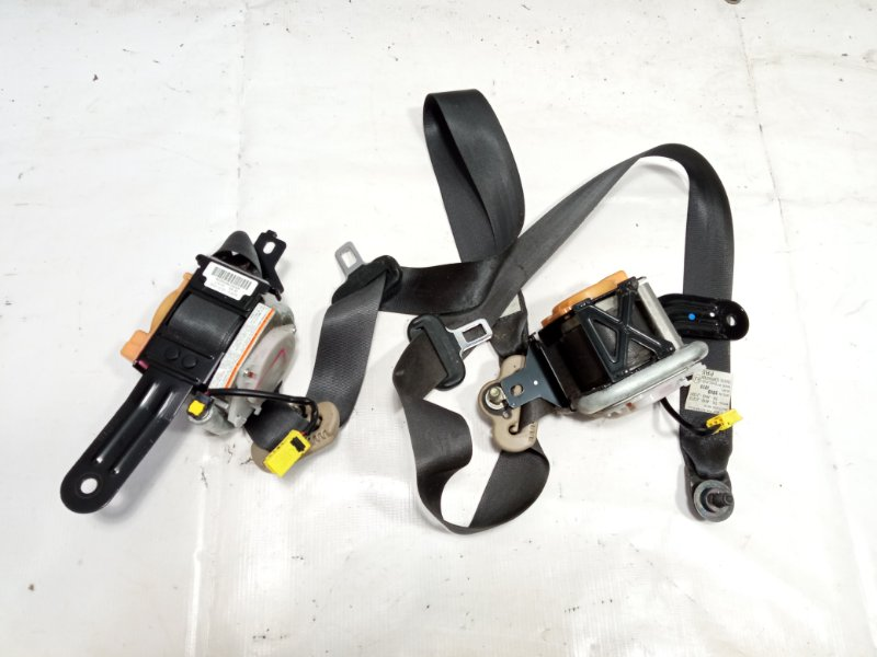 Ремень безопасности Honda Fit GP1 LEA 2010 передний правый