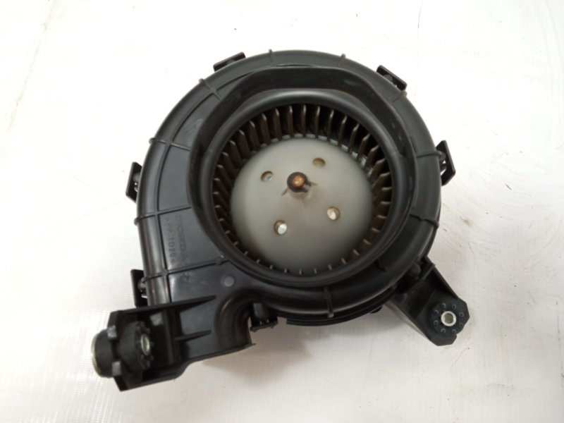 Мотор охлаждения батареи Honda Freed Spike GP3 LEA 2010