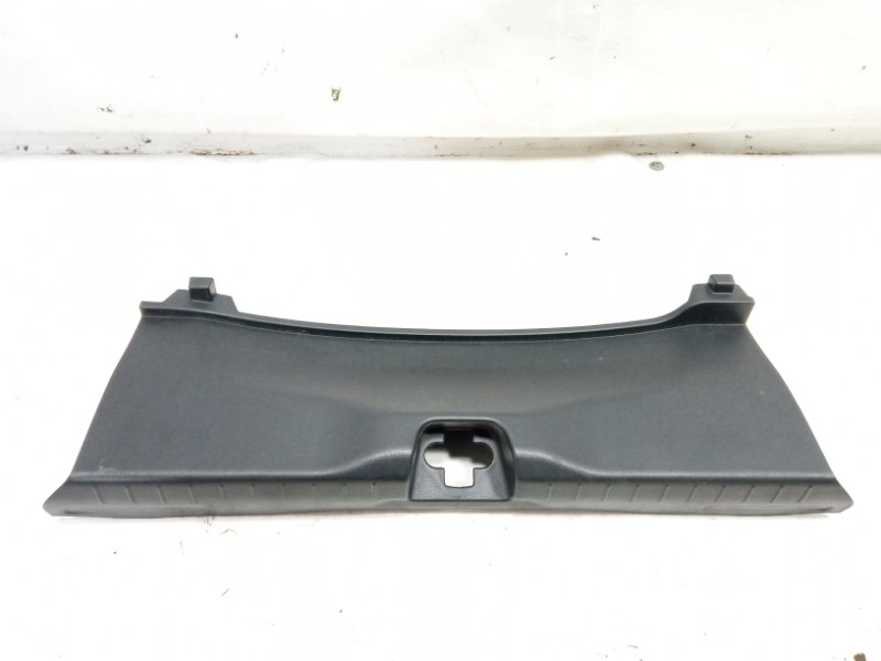 Пластик замка багажника Honda Cr-Z ZF1 LEA 2010
